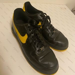 air force 1 black and yellow